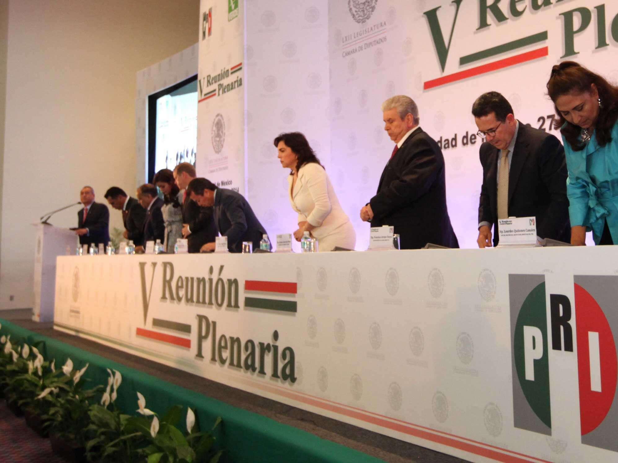 PRI celebra reunión plenaria de diputados federales en el DF