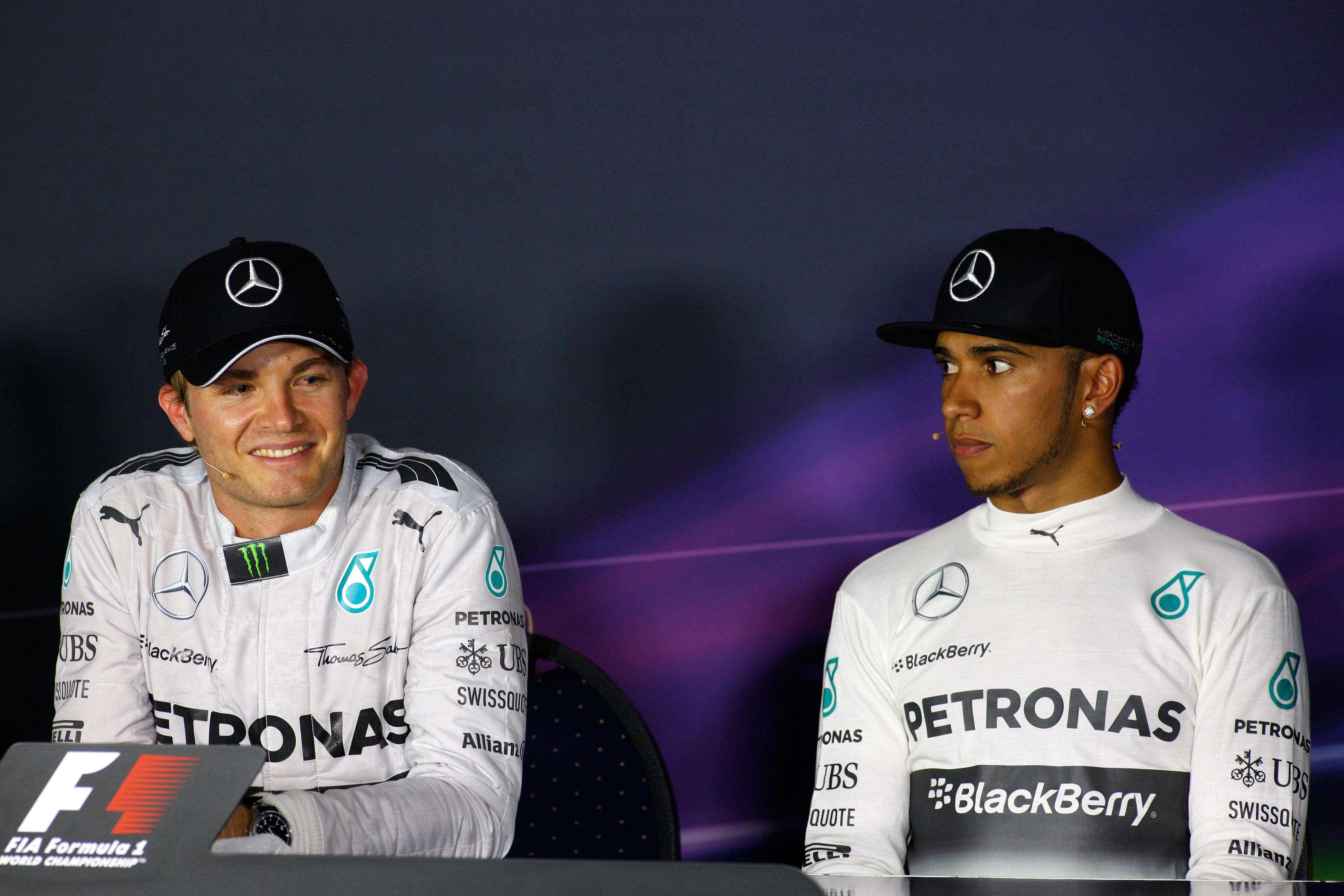 """Mark Webber: """"Hamilton y Rosberg no forman un equipo"""""""