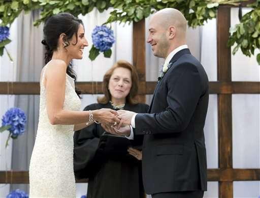 Sobreviviente de Maratón de Boston se casa con su enfermera