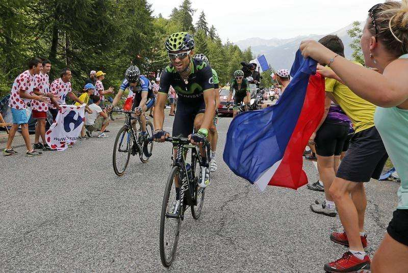 Valverde wins sixth stage to take lead in Tour of Spain