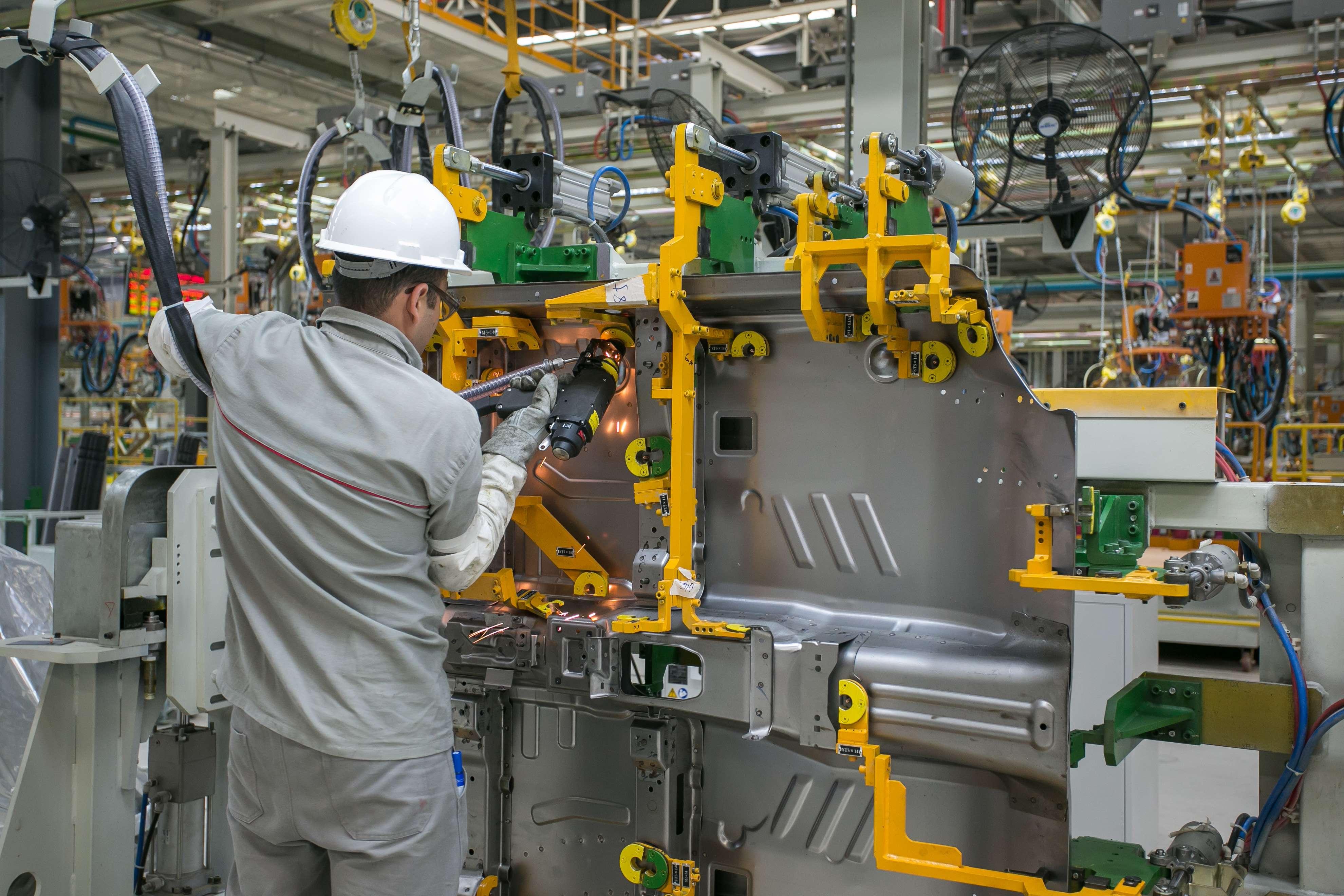 Chery inaugura primeira fábrica de carros chinesa no Brasil