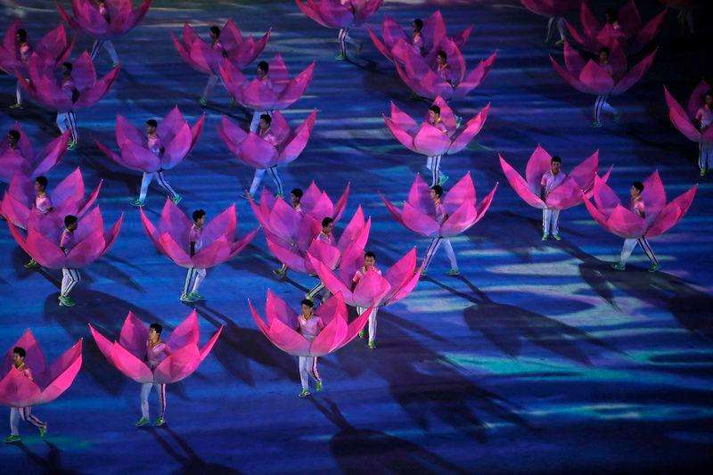 Youth Olympics close with spectacular ceremony