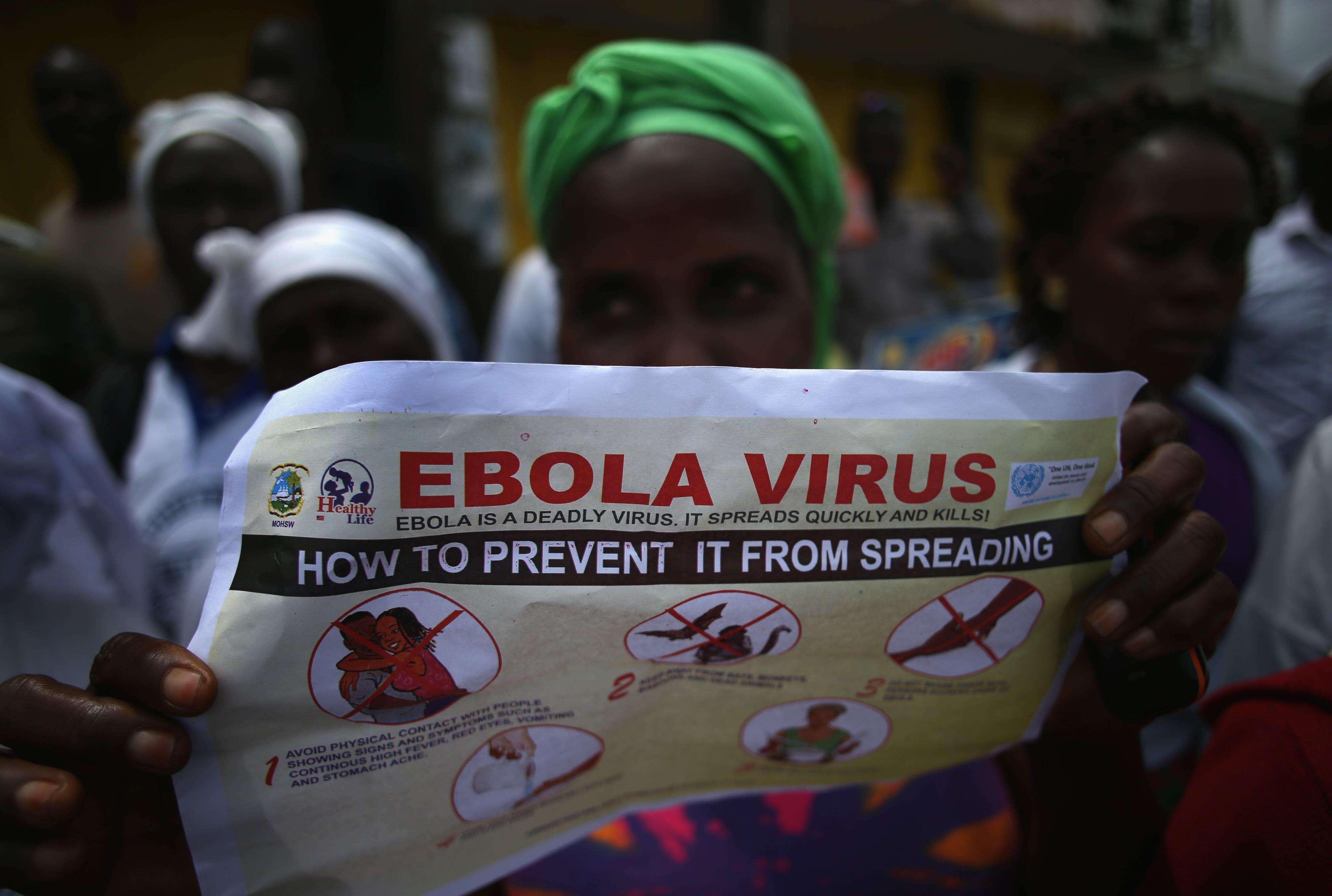 """El mundo está """"perdiendo la batalla"""" contra el ébola"""