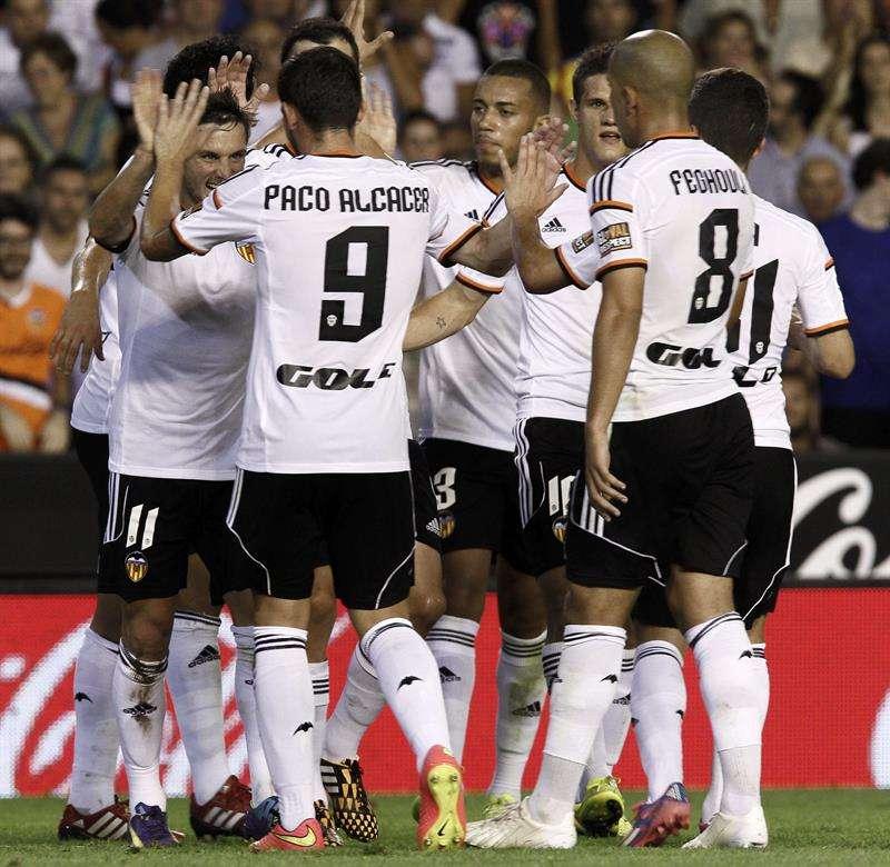 El Valencia celebra uno de los goles ante el Málaga