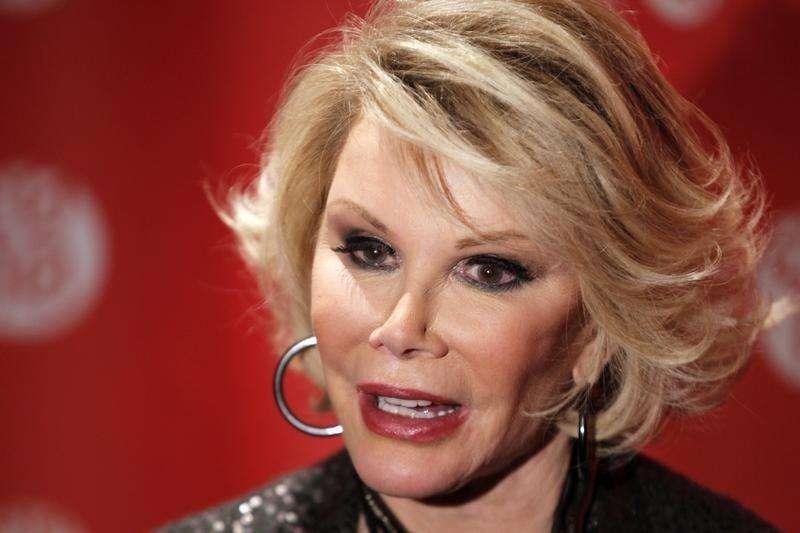 Comediante Joan Rivers continua em repouso em hospital de NY