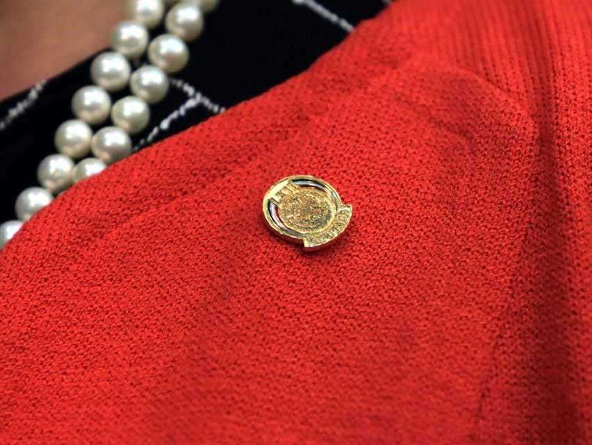 Villarreal se guardó año y medio pines de oro de diputados