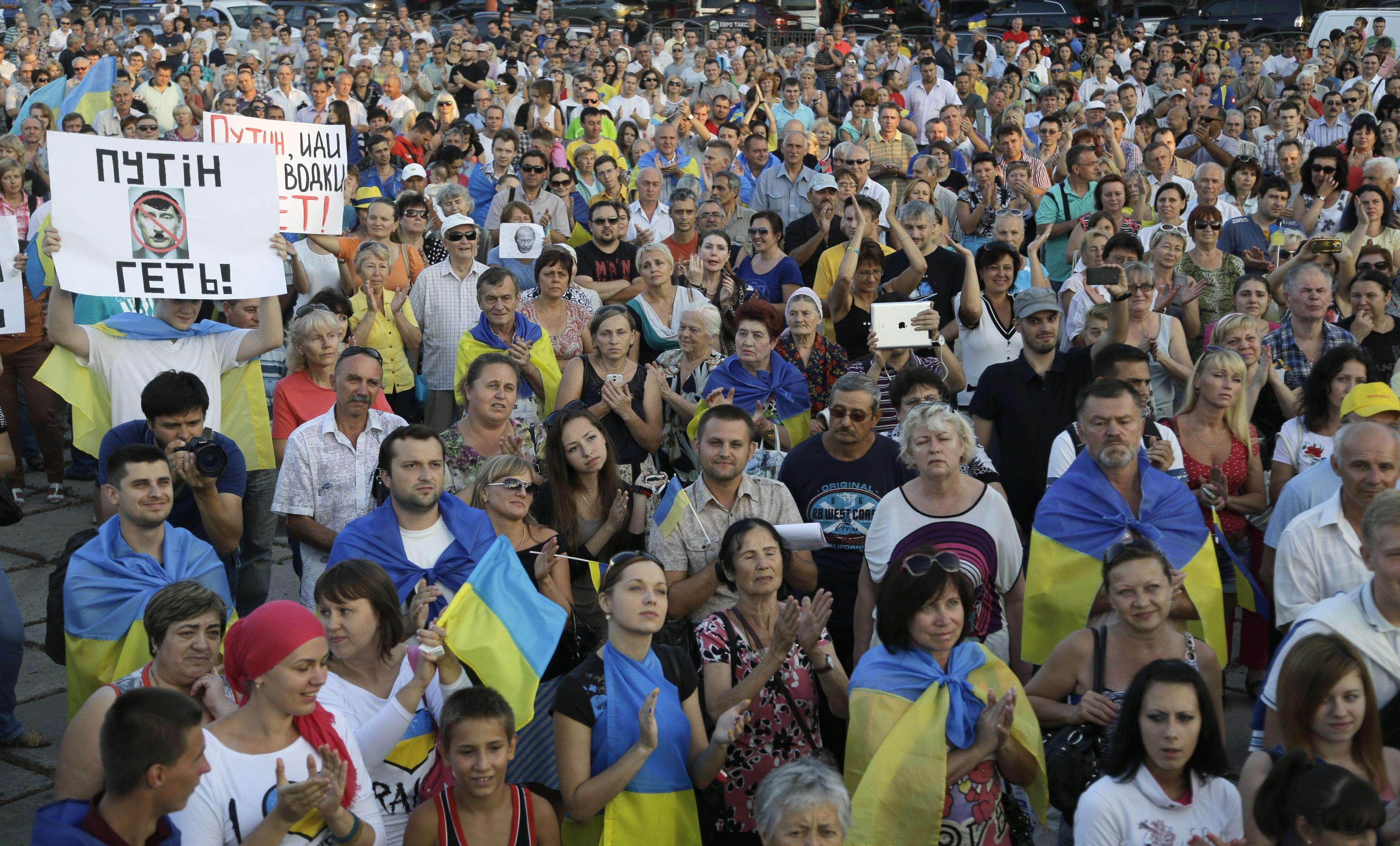Putin insta a separatistas a liberar a soldados ucranianos