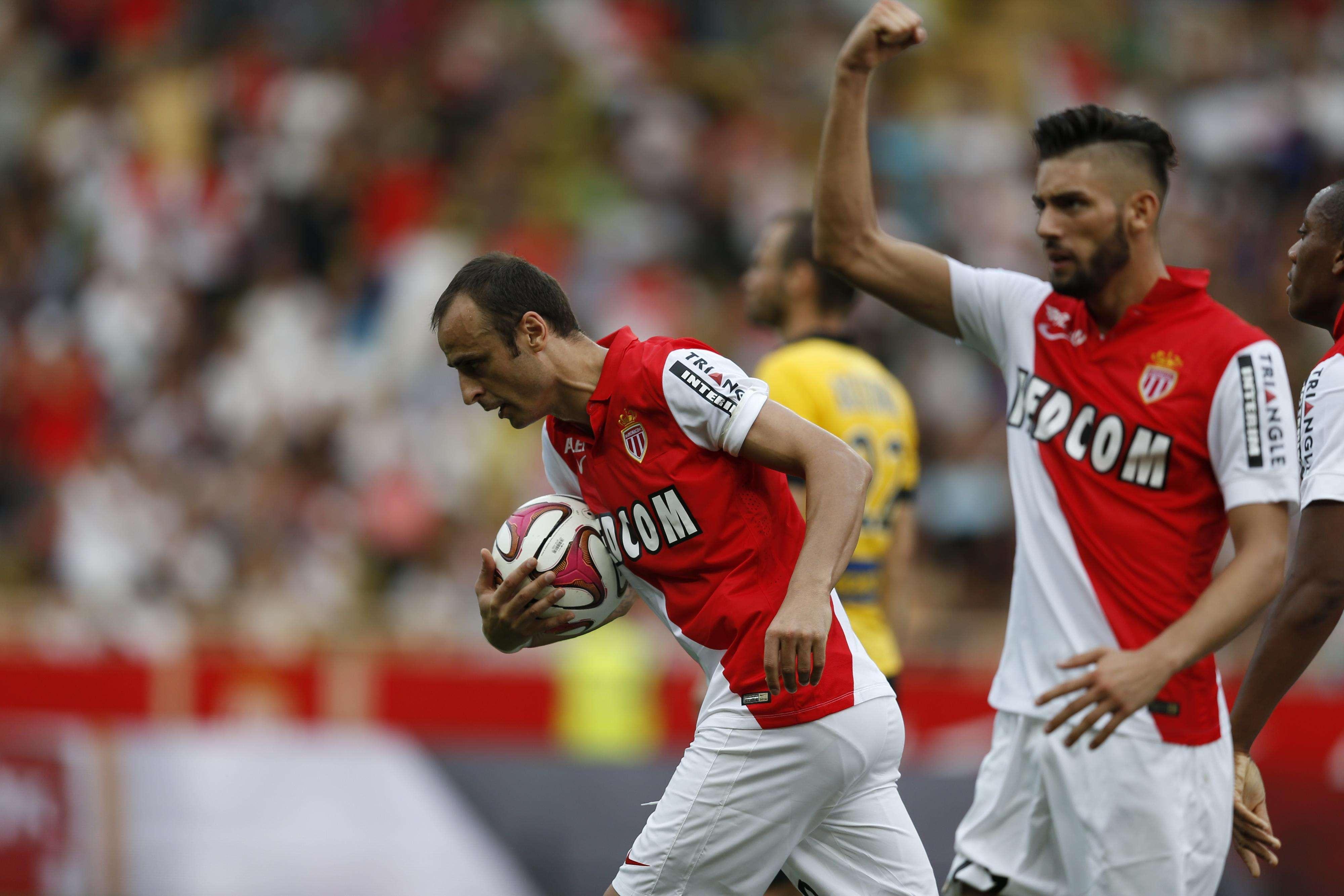 Berbatov evita derrota del Mónaco en casa, contra Lille