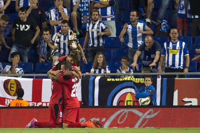 Carlos Bacca celebra su gol al Espanyol Foto: EFE en español