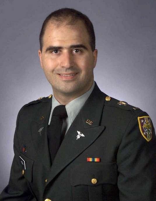 Ex-soldado dos EUA que matou 13 quer se tornar membro do EI