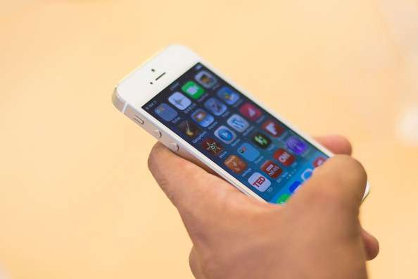 ¿Apple pretende anunciar un iPhone 5S de 8GB?