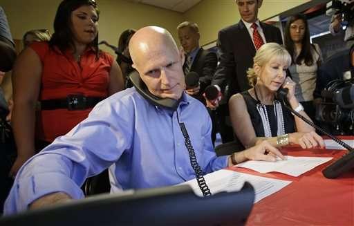 Florida: Gobernador propone bajar impuestos si es reelecto