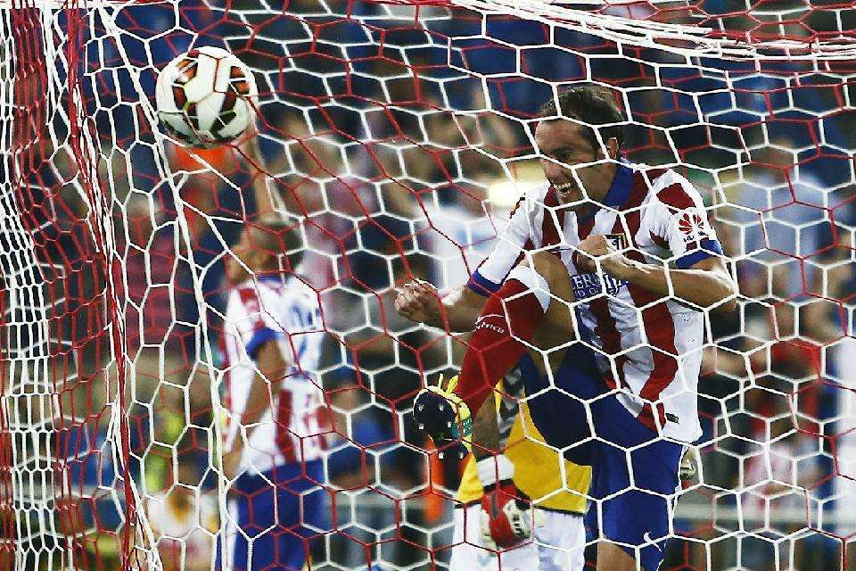 Atletico de Madrid suffers to reach the victory
