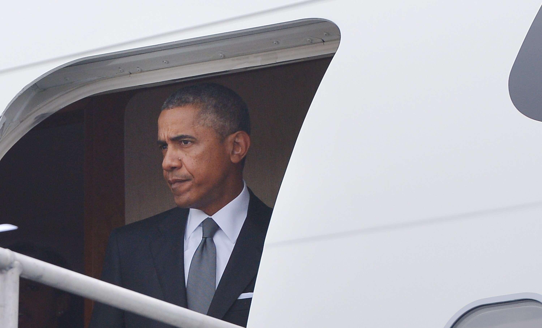 Obama hace una escala histórica en Estonia para advertir...