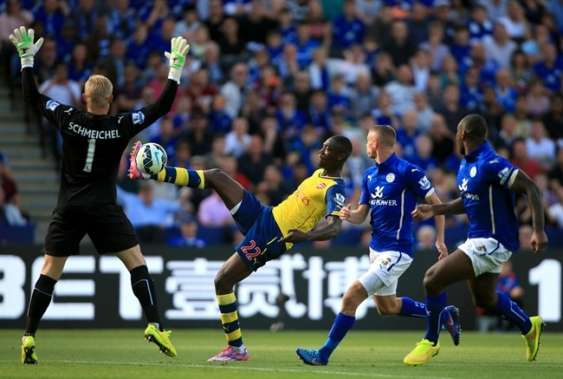 Alexis Sanchez scores and Arsenal draw at Leicester City