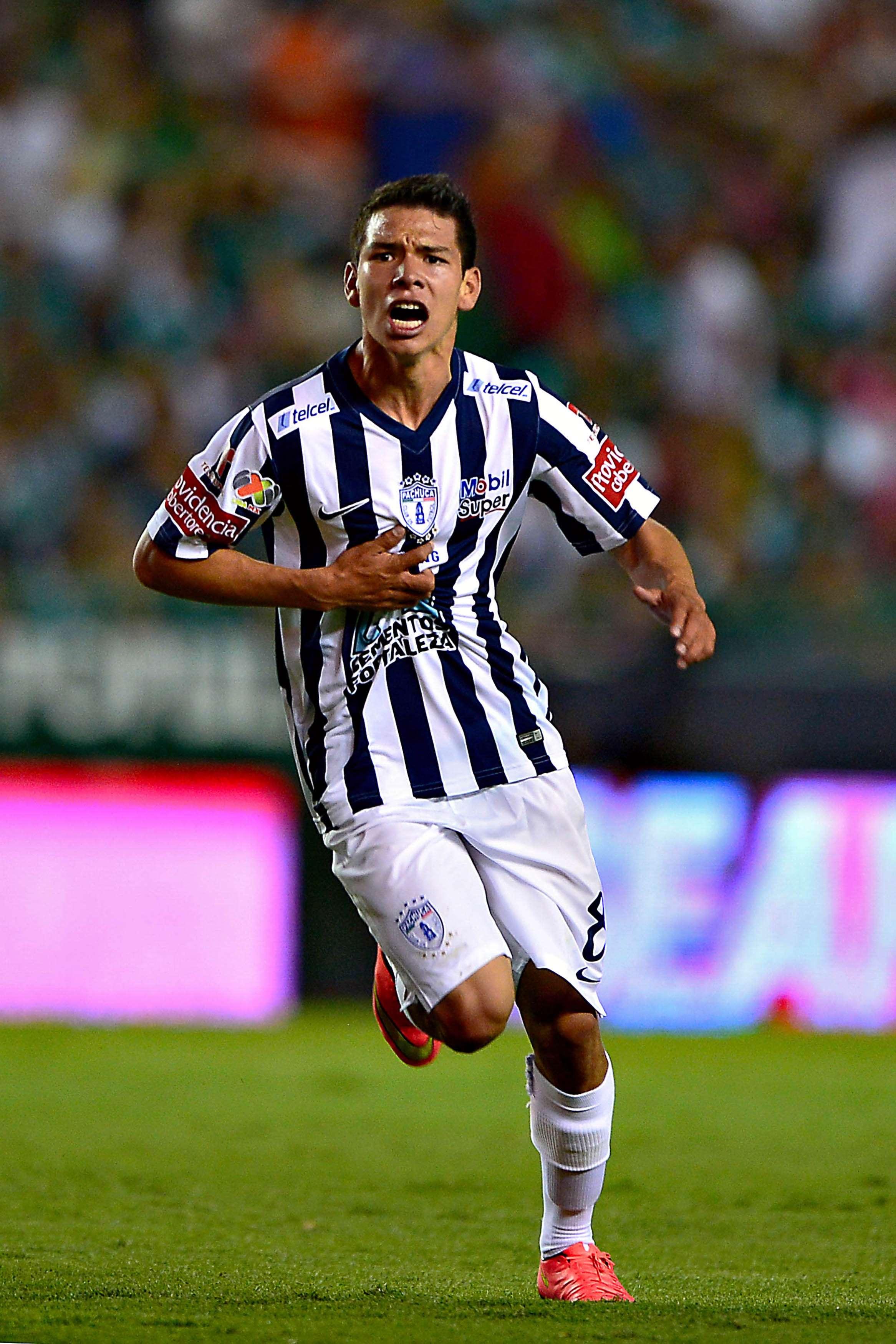 Hirving Lozano en el festejo de uno de sus goles al León. Foto: Mexsport