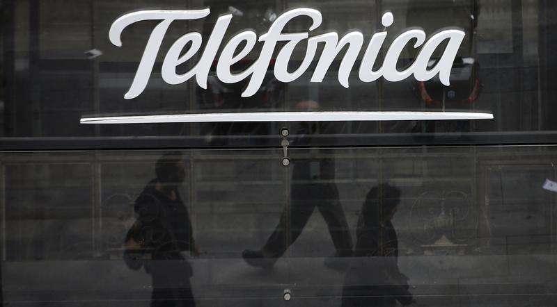 La tienda insigne de Telefónica en el centro de Madrid, nov 8 2013. El grupo español Telefónica tiene planes de salir de Telecom Italia una vez que finalice la compra de la operadora brasileña de banda ancha GVT, dijo el lunes el presidente del conglomerado, lo que pondría fin a una participación de larga data en la firma italiana. Foto: Sergio Perez/Reuters