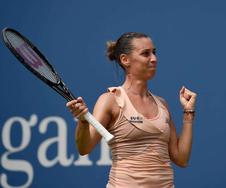 Pennetta returns to quarters with win over Dellacqua
