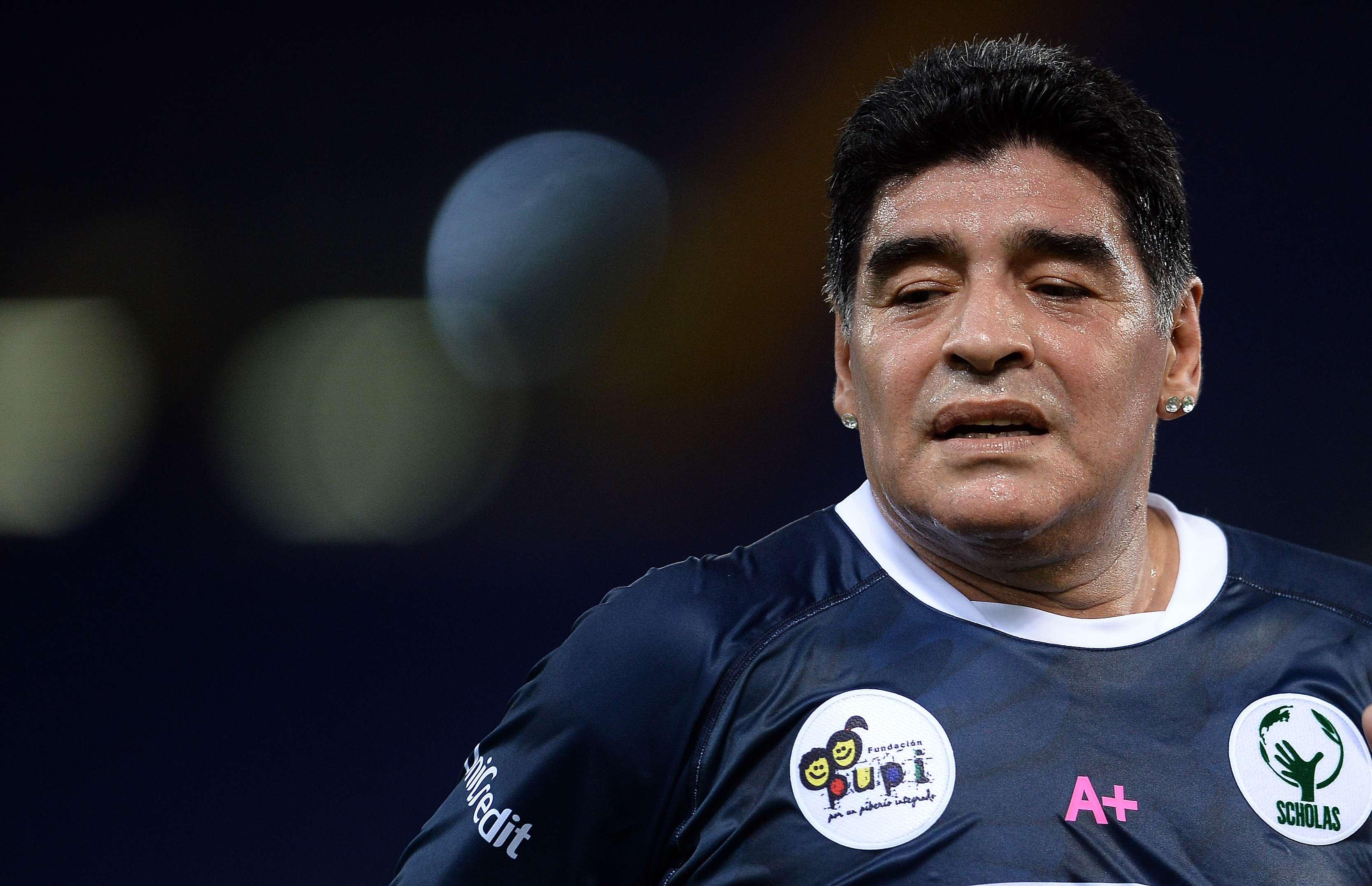 Maradona foi a grande estrela do Jogo da Paz Foto: AFP