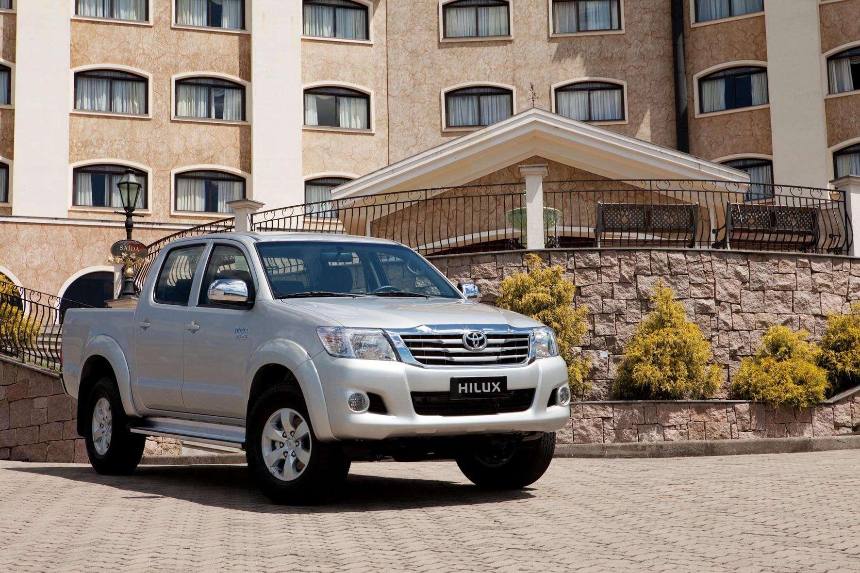 Toyota lança nova versão da Hilux com motor flex