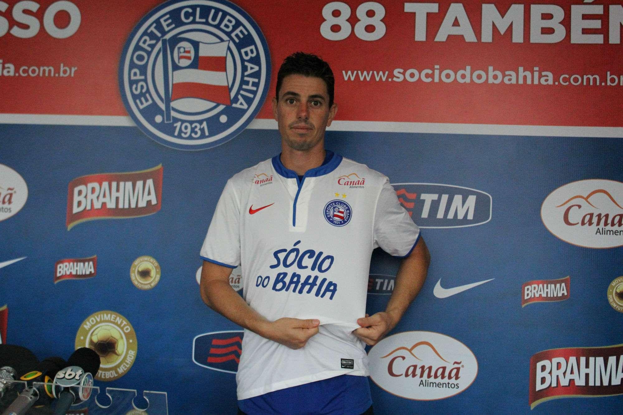 Bahia apresenta Alessandro, novo reforço para o ataque