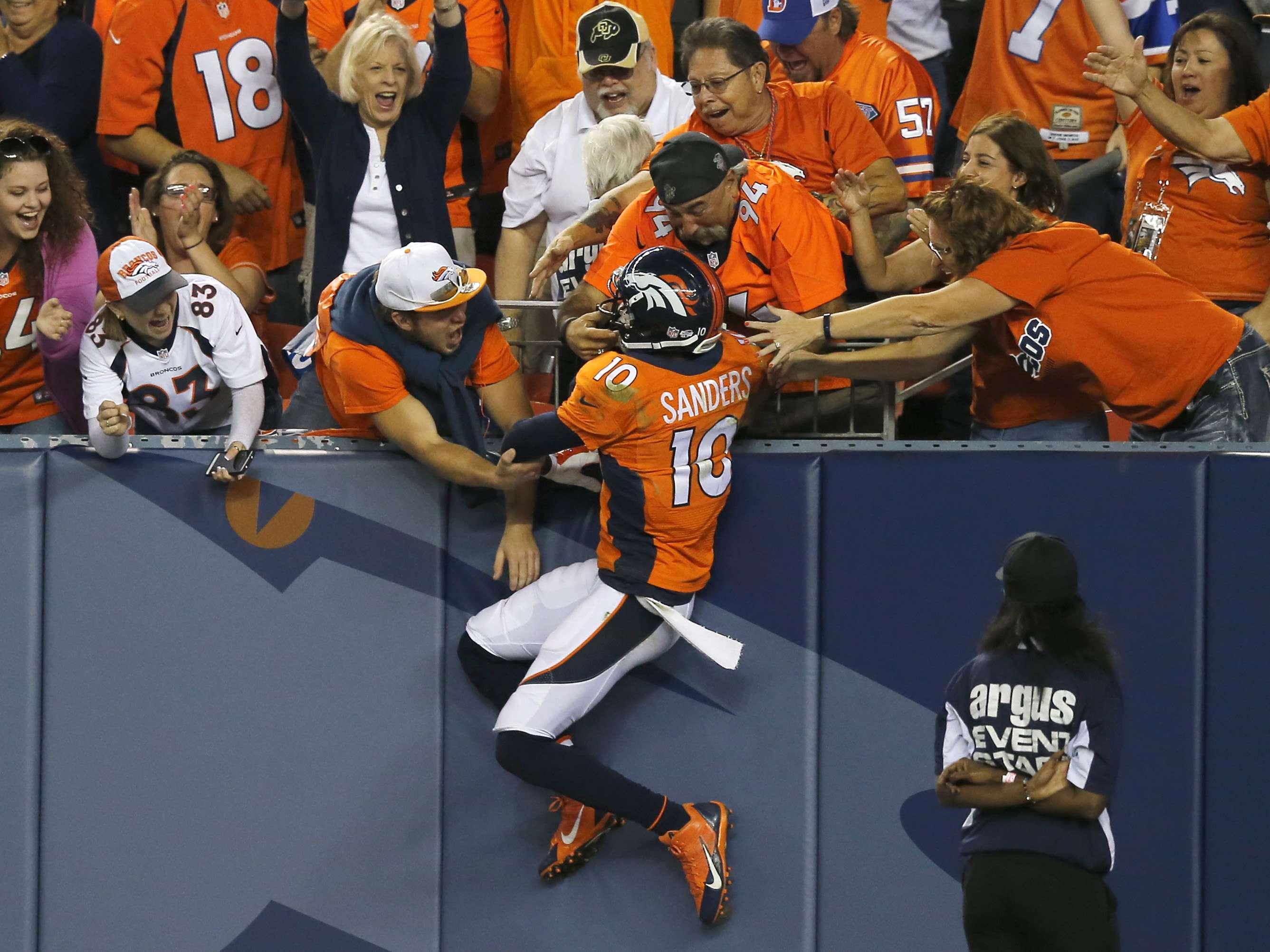Los Denver Broncos que buscan ahora si ganar el Super Bowl. Foto: AP