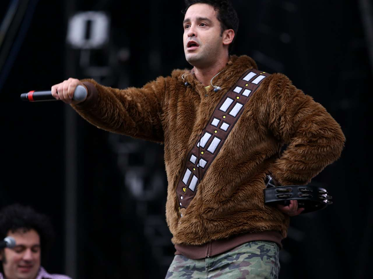 El vocalista de los 'Amigos Invisibles' prefirió guardar la calma y no detener el show Foto: Medios y Media