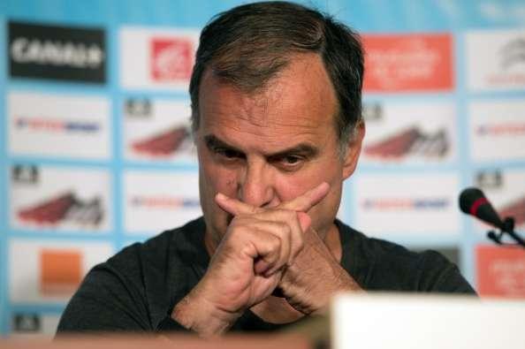 Bielsa dijo no haber pedido a ninguno de los jugadores fichados. Foto: AFP