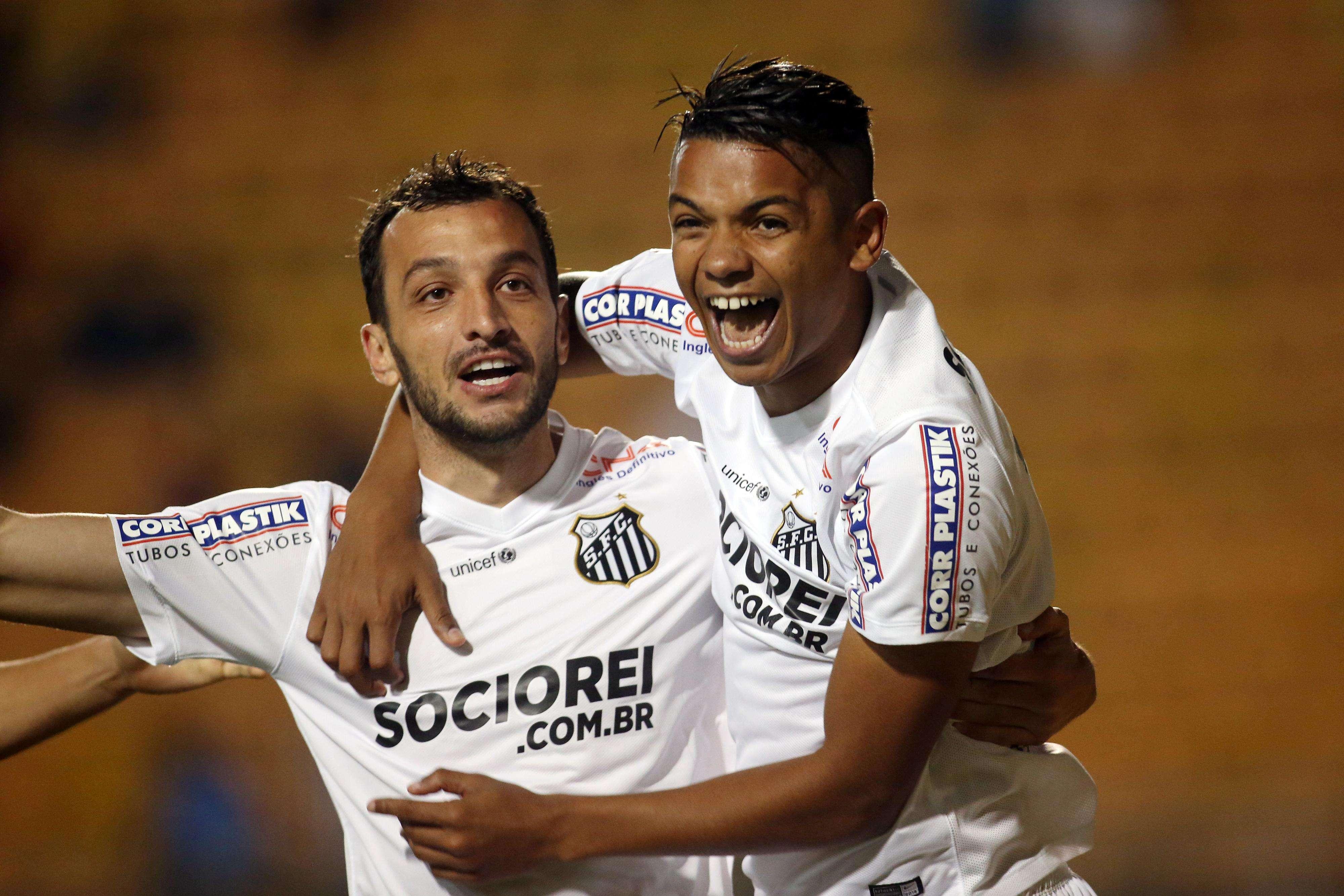 Após assistências de Edu Dracena, David Braz marca para o Santos Foto: Eduardo Viana/Lancepress!