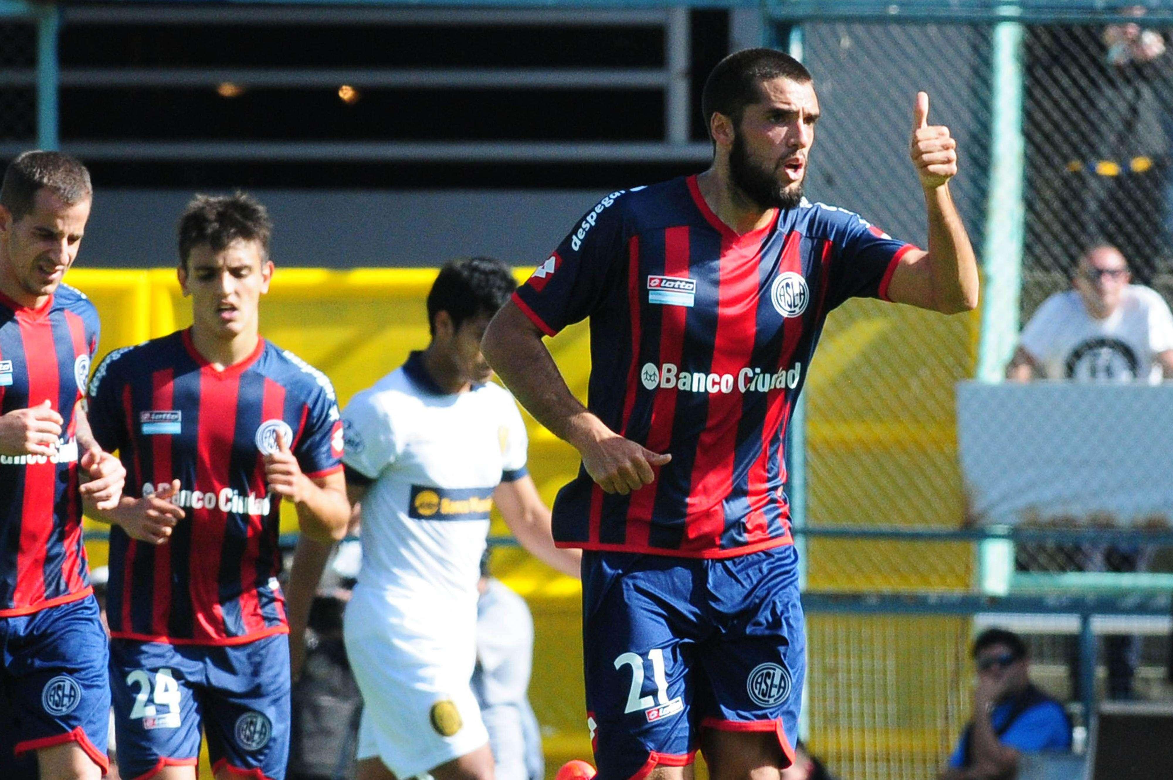 San Lorenzo y Central terminaron 1 a 1 en Rosario Foto: Télam