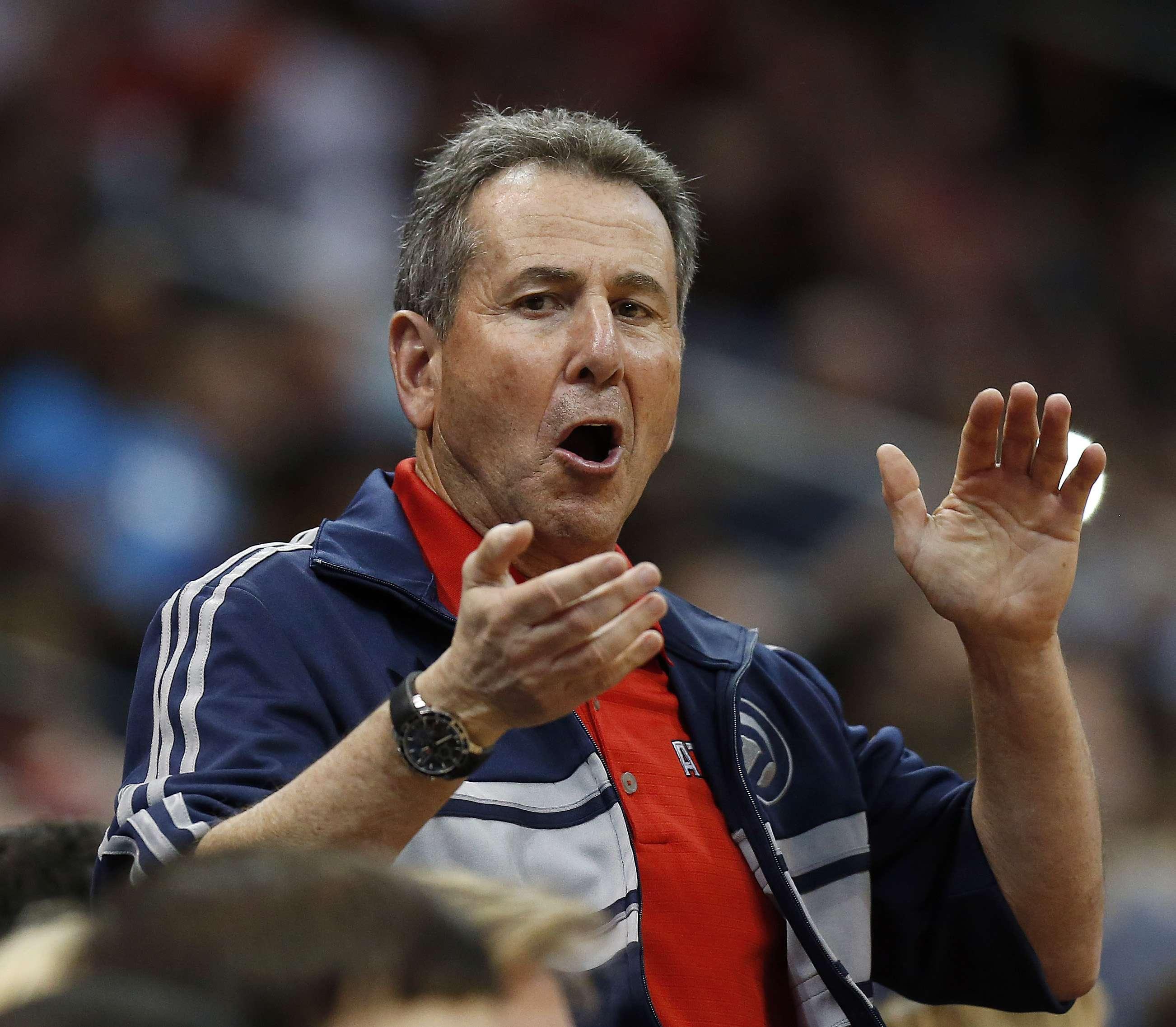 """Levenson escribió que los """"negros asustan a los blancos"""" y por eso la asistencia a la arena de Atlanta es baja. Foto: AP"""
