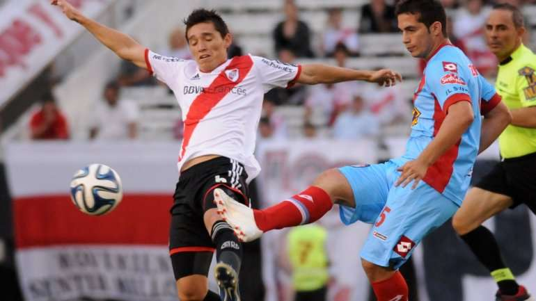 River visita a Arsenal Foto: Agencias