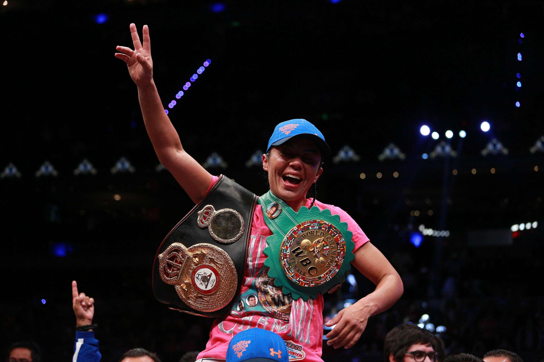 Jacqueline Nava Mouett nació en Tijuana, Baja California, el 11 de abril de 1980 y es la actual campeona mundial de peso súper gallo por la Asociación y el Consejo Mundial de Boxeo. Foto: Mexsport e Imago