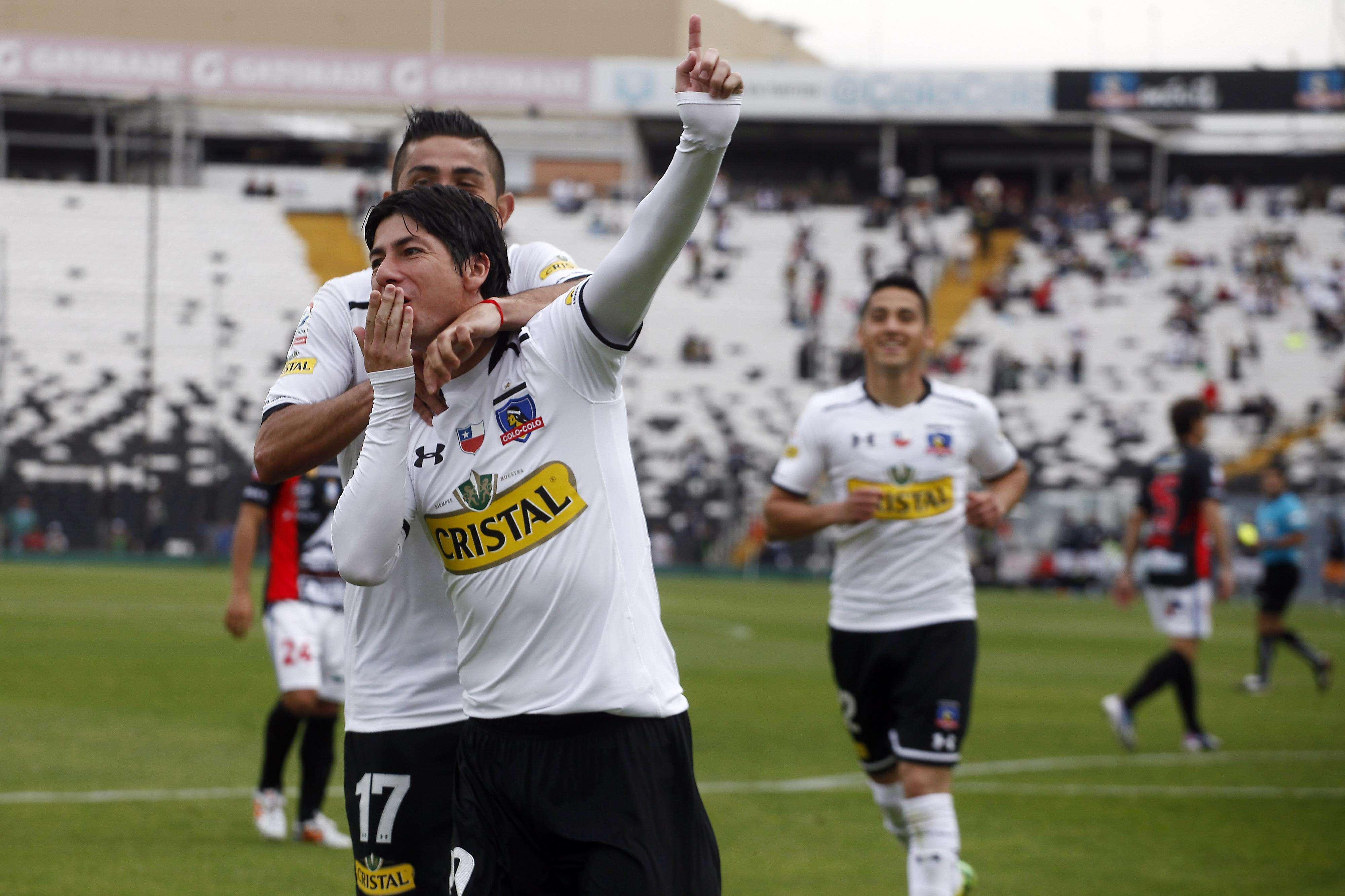 Valdés comentó que Paredes trabaja para llegar al duelo con Palestino. Foto: Agencia Uno