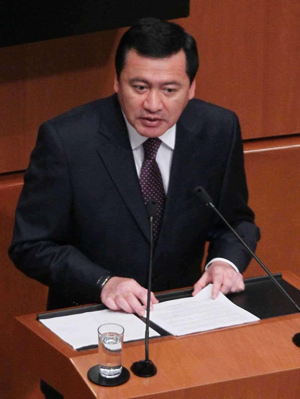 El secretario de Gobernación hizo énfasis en la reducción del 40% de las recomendaciones de la Comisión Nacional de Derechos Humanos a las instituciones de seguridad, en comparación con 2012. Foto: Notimex