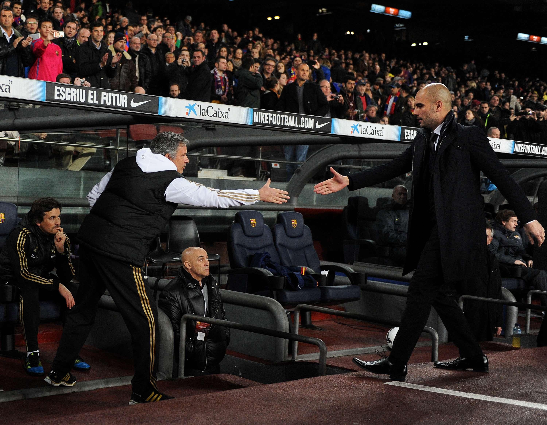 José Mourinho e Pep Guardiola são rivais há anos no futebol Foto: Japser Juinen/Getty Images