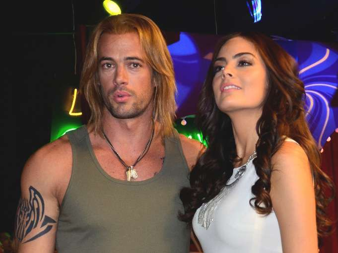 El actor y la exMiss Universo empezaron su romance durante las grabaciones de 'La Tempestad' Foto: Medios y Media