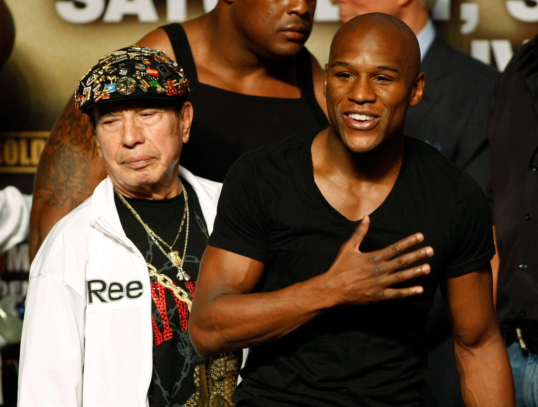El mexicano Rafael García ha sido parte fundamental del éxito de Floyd Mayweather Jr. Foto: Getty Images
