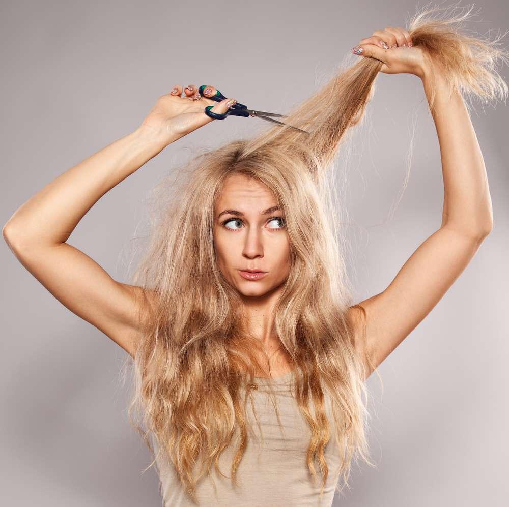 Antes de trocar o cabelo longo pelo curto, tente o médio e faça adaptações para chegar ao resultado desejado sem se arrepender Foto: Gladskikh Tatiana/Shutterstock