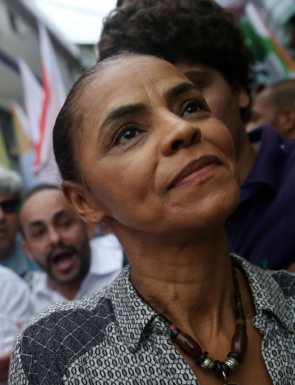 Marina Silva passou a tingir os fios para esconder os brancos Foto: Mario Tama/ Getty Images