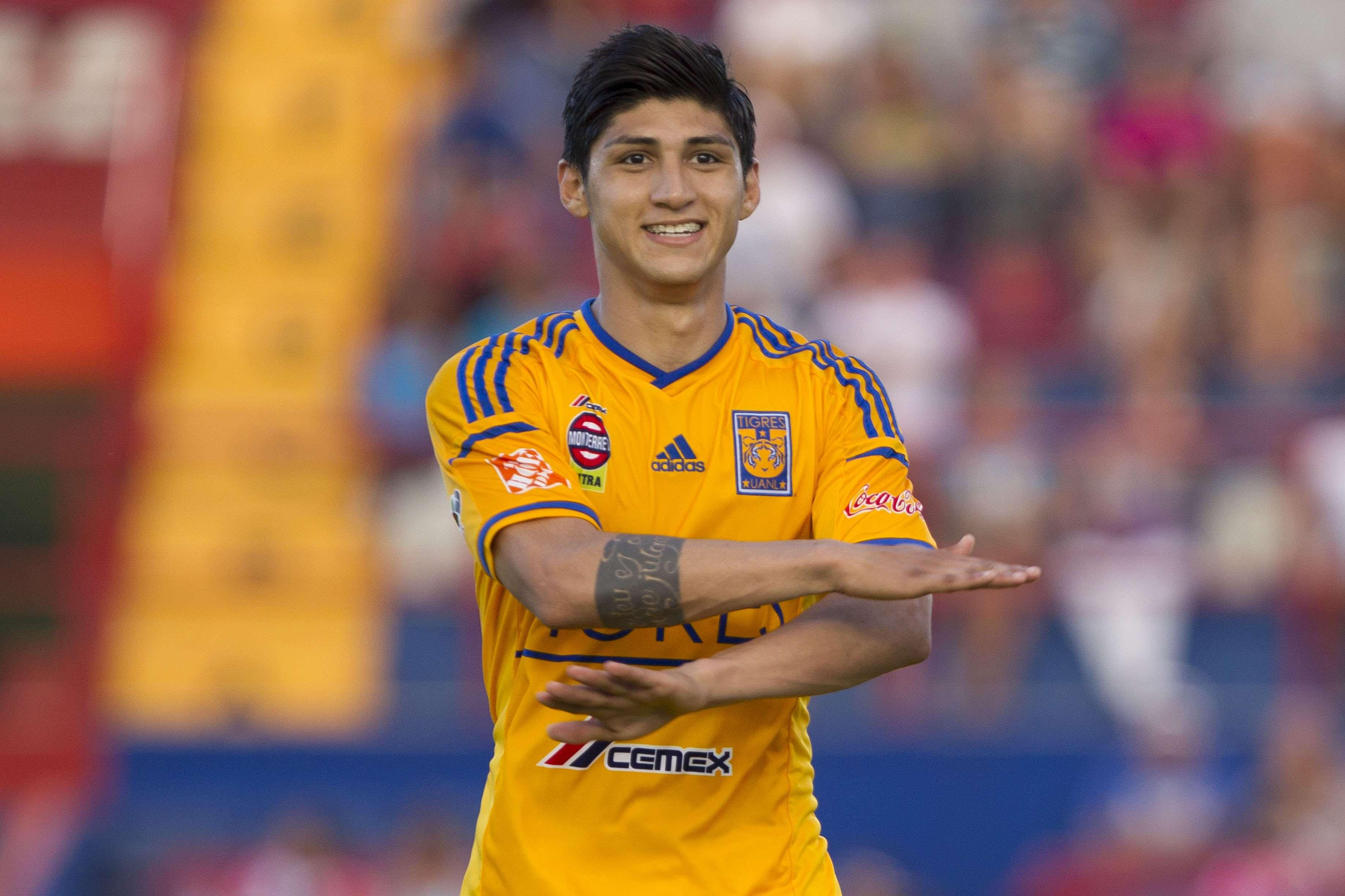 Sigue el caso de Alan Pulido en duda, ya que no se ha definido. Foto: Mexsport