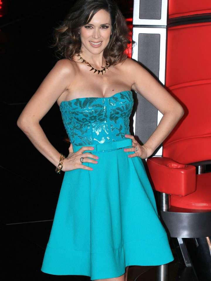 Jacqueline Bracamontes dijo que sus redes sociales se saturaron el día que inició 'La Voz... México' 2014 Foto: Photo AMC