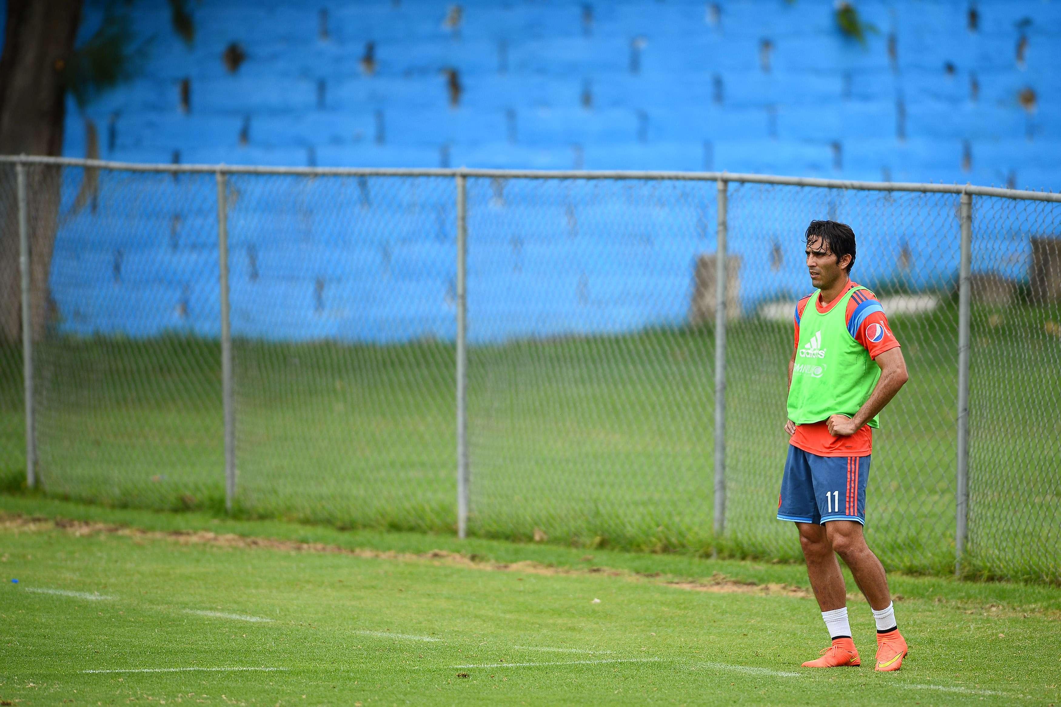 Aldo de Nigris, delantero de las Chivas y que no ha tenido un buen torneo con el Rebaño Sagrado. Foto: Mexsport