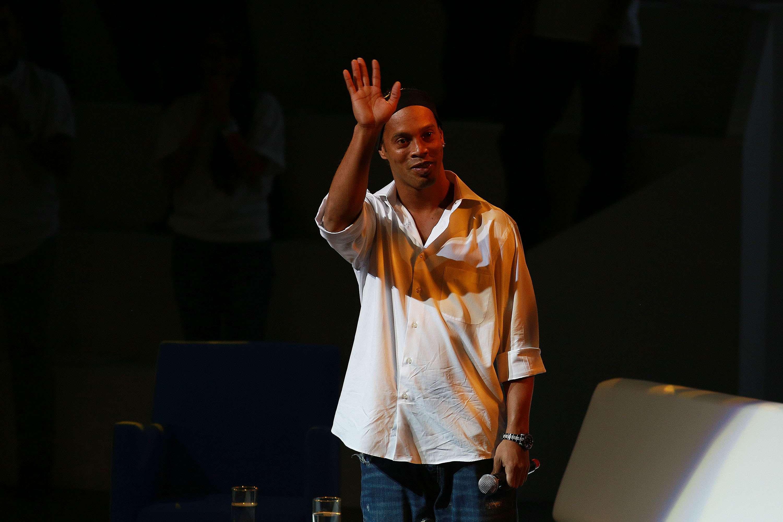 Ronaldinho y la pregunta de cuándo llegará a México para debutar con Querétaro. Foto: Imago 7