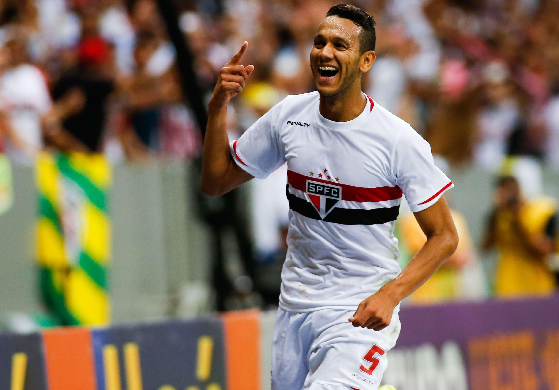 Souza fez dois gols no primeiro tempo Foto: Alexandre Schneider/Getty Images