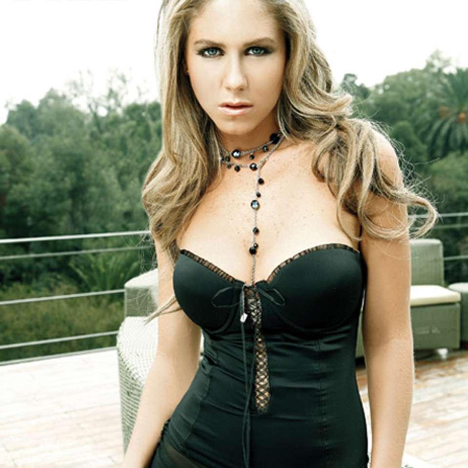 Fotos de Ingrid Martz: el lado más sexy de la actriz. Foto: Revista FHM