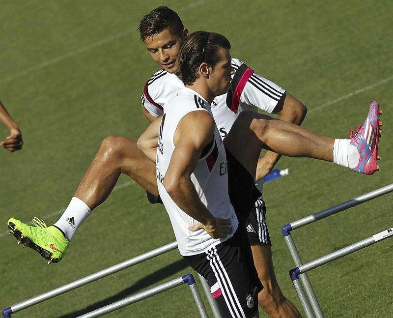 Cristiano y Bale, en el entrenamiento de este viernes Foto: Efe