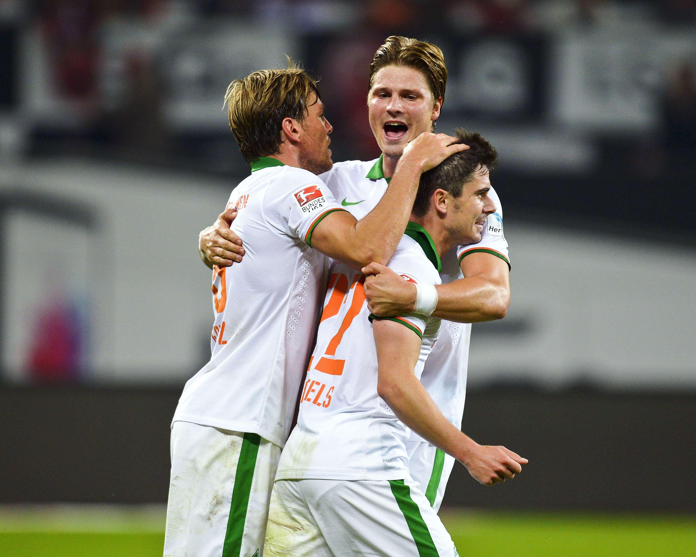 Jugadores de Werder Bremen festejan el empate de visita. Foto: AFP
