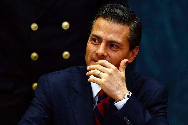 El presidente de México, Enrique Peña Nieto, en una ceremonia en Ciudad de México, sep 3 2014. El presidente de México, Enrique Peña, levantó el viernes restricciones al uso de dólares en efectivo por parte de empresas en el país, en busca de dar un impulso a la ralentizada economía. Foto: Tomas Bravo/Reuters