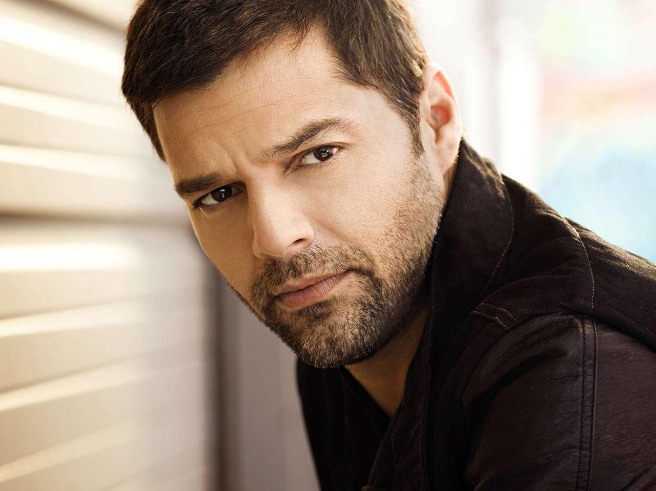 Ricky Martin, quien el 22 de septiembre estrenará sencillo, dice que trabajar con nuevos talentos en 'La Voz... México' lo hizo recordar sus inicios. Foto: Reforma